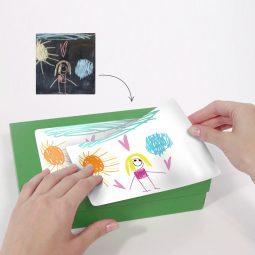 Personnalisez un autocollant avec un dessin d'enfant